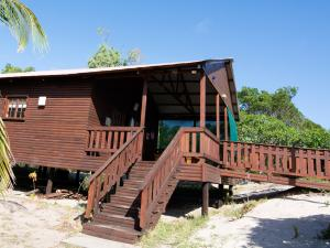 Just In Time Prime Holiday Resort Chalet 1 Side View